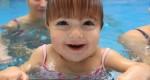 Proč chodit s dětmi plavat?